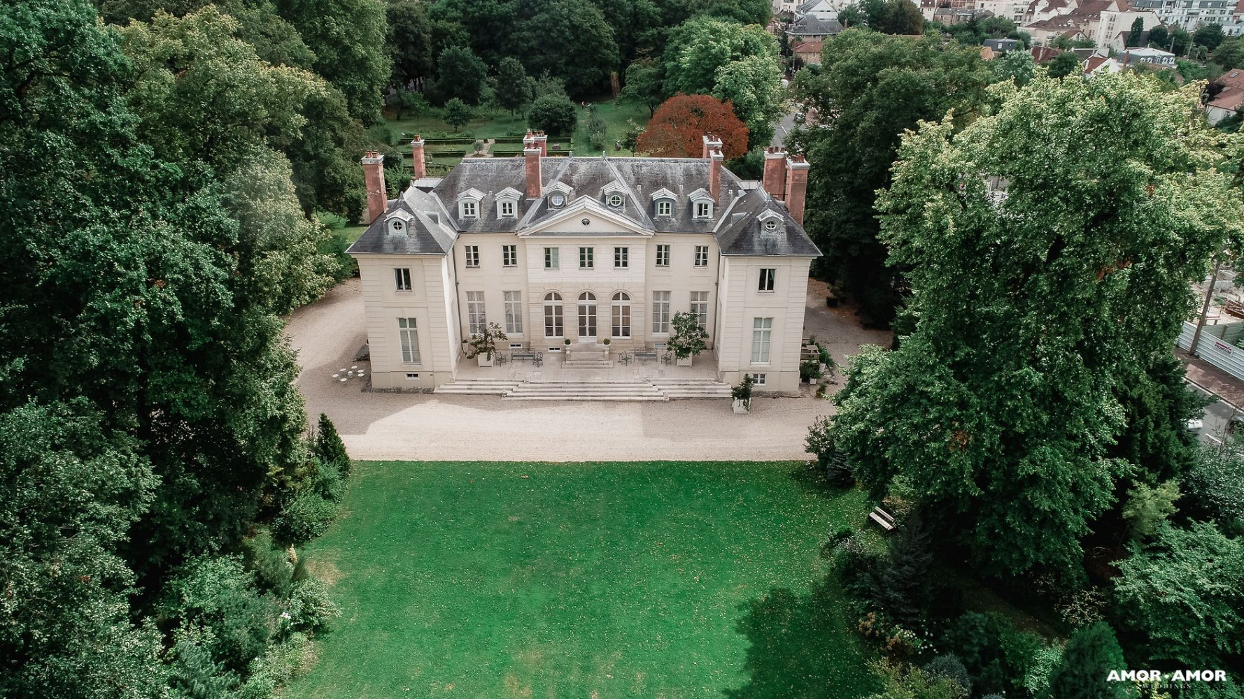 private chateau wedding near Paris