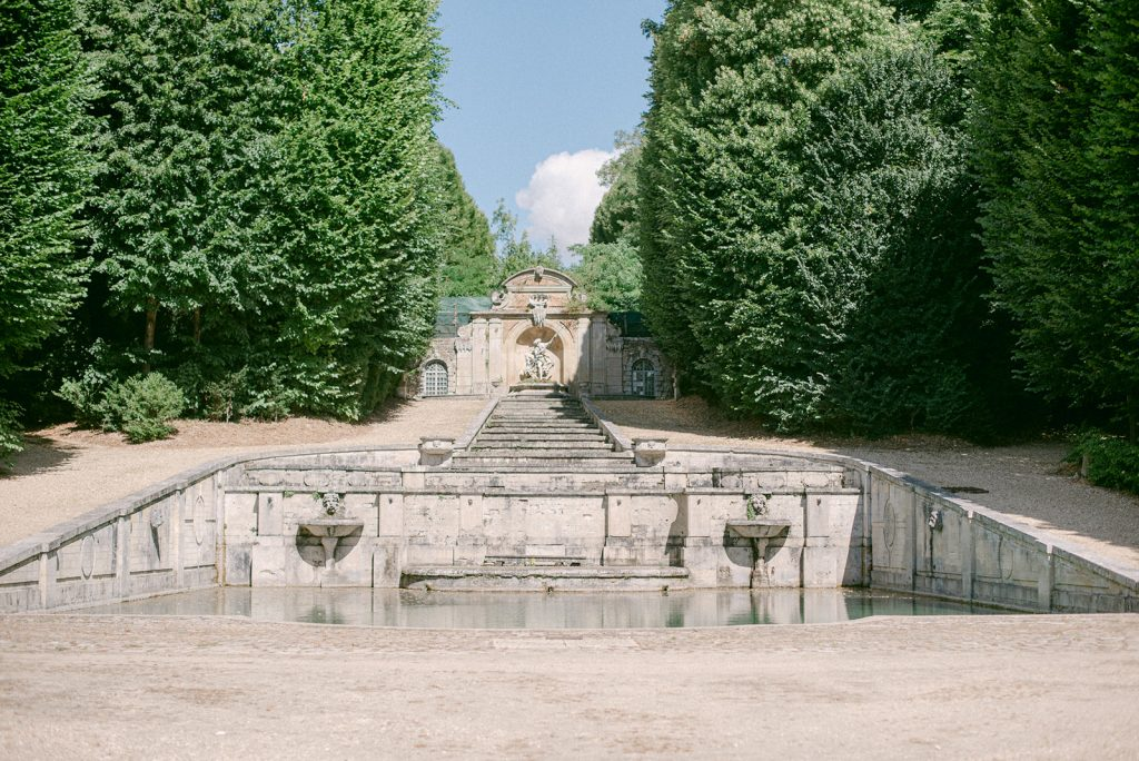 chateau de villette fountain