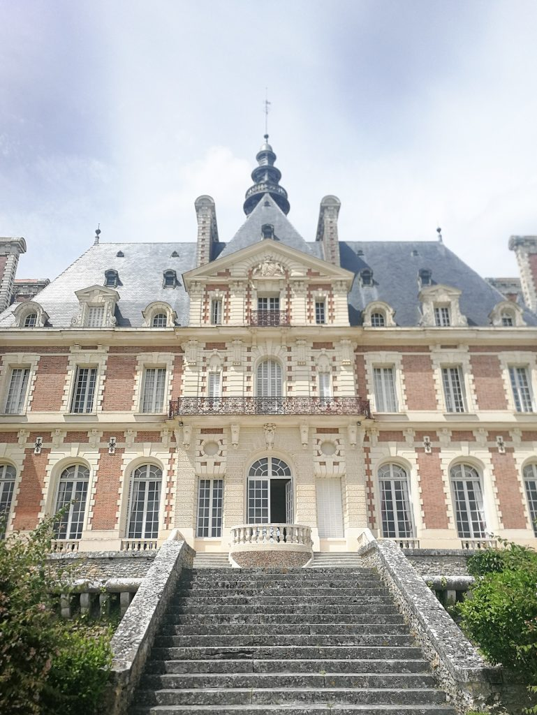 castle with accommodation in france