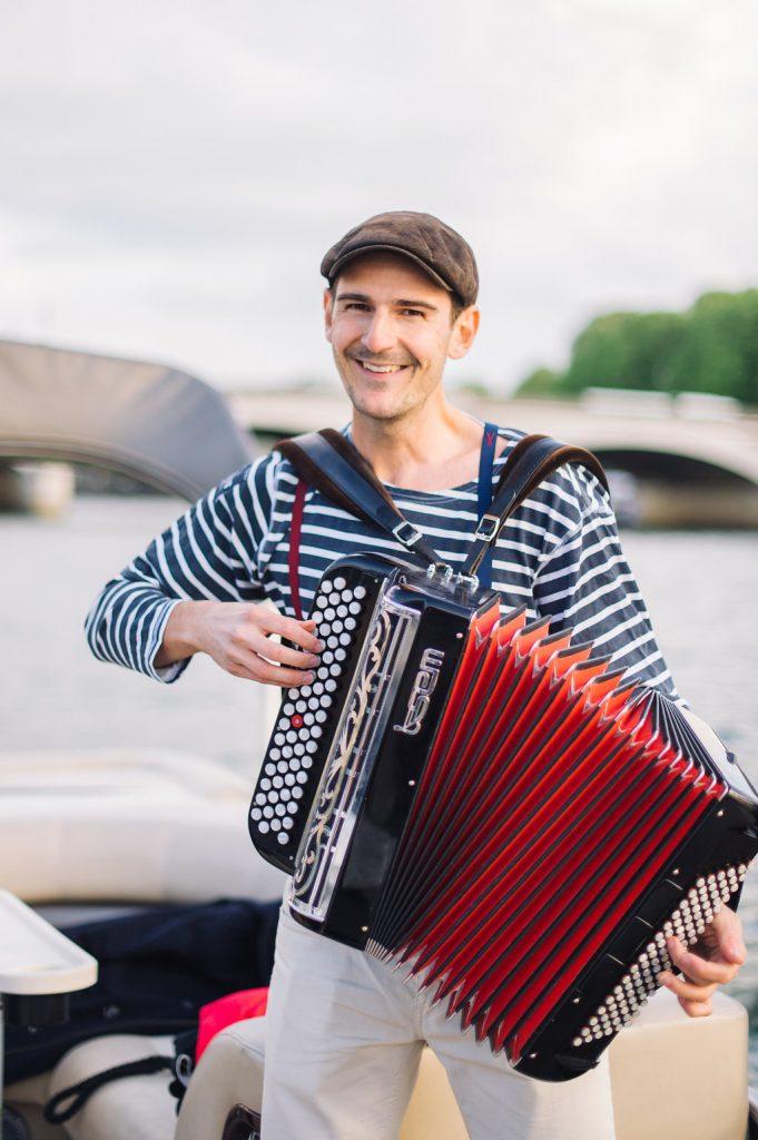 accordeonist paris wedding