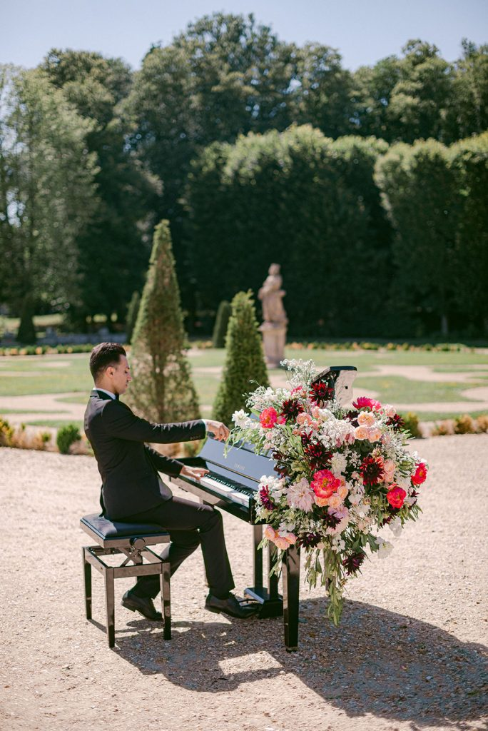 wedding entertainment in france
