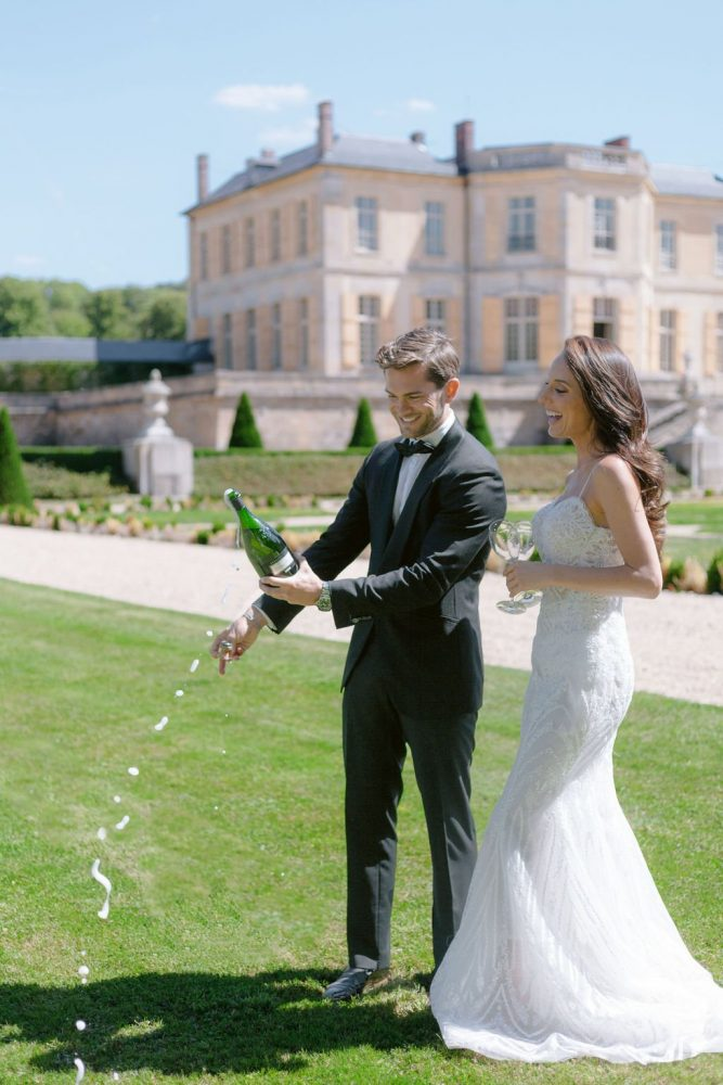 how to choose champagne for a wedding