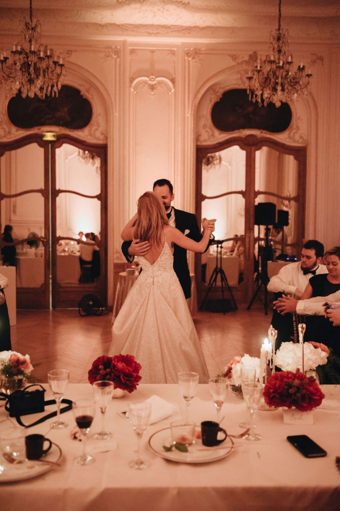 intimate wedding in paris katerina meyvial