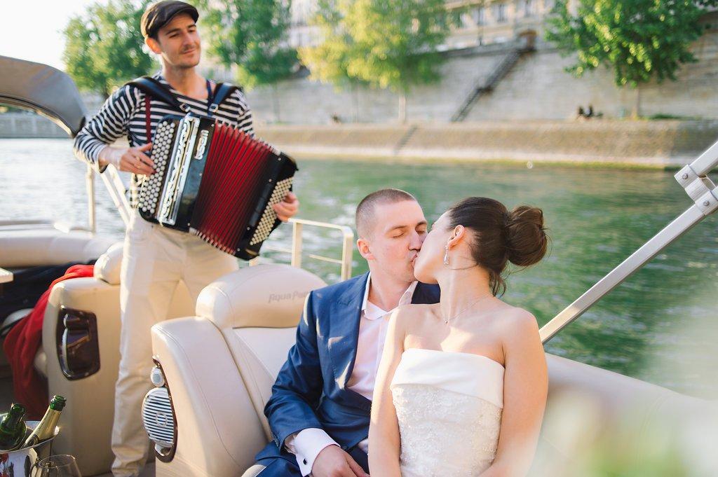 private boat wedding paris